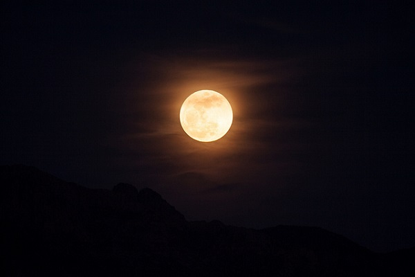 Vows and releasing them on a' Full moon'